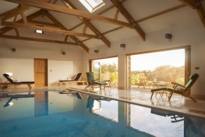 Holiday homes with swimming pools